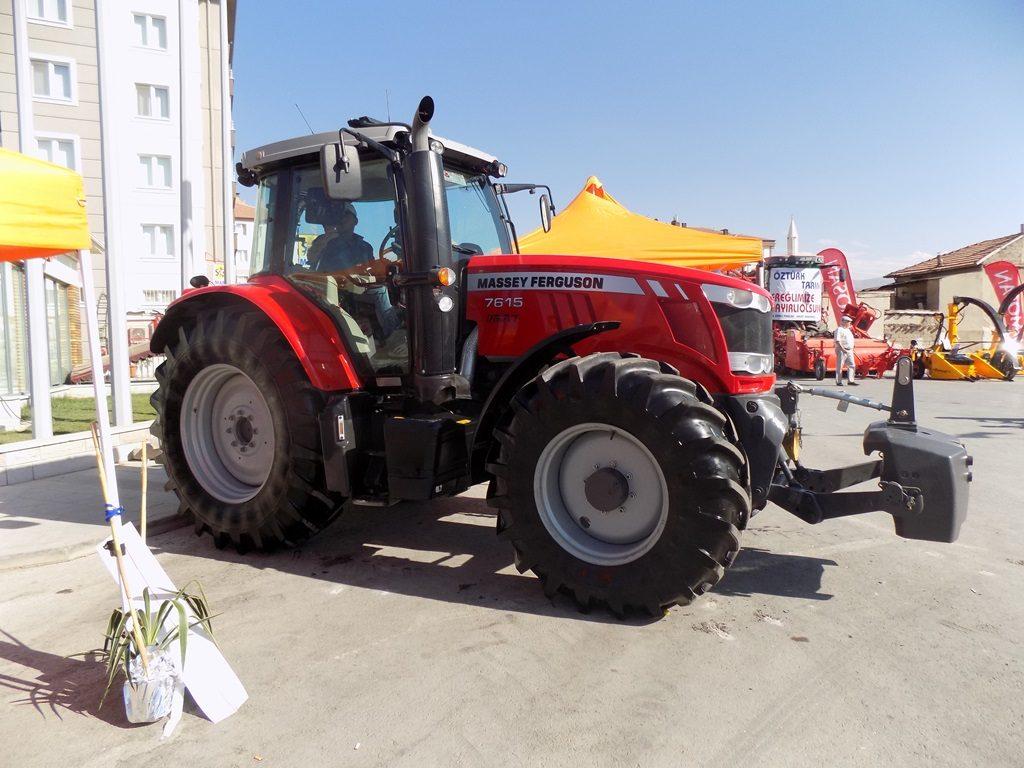 mf7615-traktorler-2