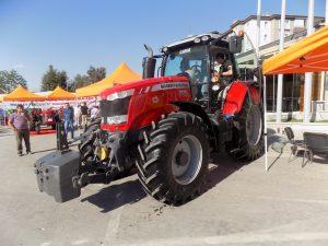 mf7615-traktorler